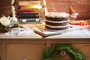 Christmas Holiday Cake Table