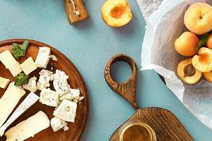 wine snacks fruit jamon cheese