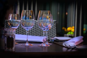 wine glass, summer restaurant