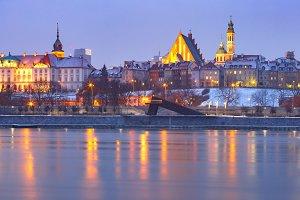 Old Town and river Vistula at night