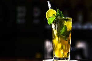 Green cocktail with mint and lemon o