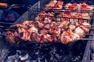 Preparation of meat on skewers