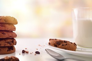 Breakfast biscuits with choco front