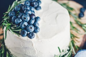 Cream white cake with berries