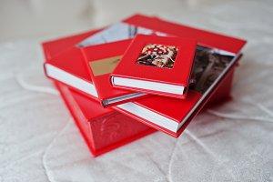 Elegant red wedding photobooks or ph