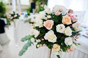 Gorgeous and elegant wedding floral