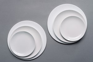 Shiny white kitchen ceramic plates o