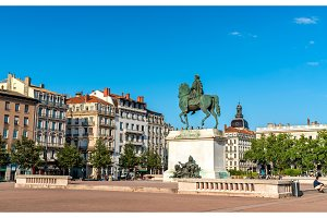 Equestrian statue of Louis XIV on