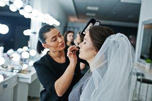 Make up artist doing professional ma
