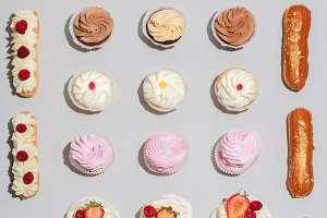 Decorated cakes in geometrical compo