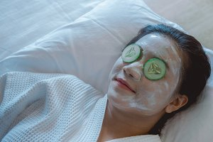 Girl's relax of Face Mask pad