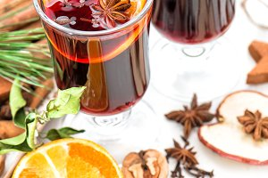 Mulled wine orange fruits spices