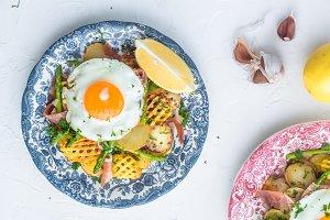 Sunny side egg, potato and jamon ham
