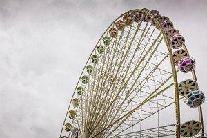 amusement park ferris whe