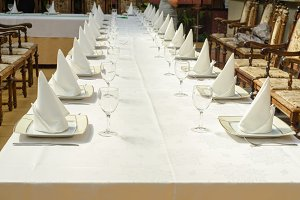 Long served table