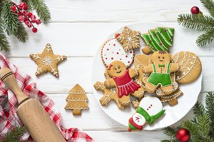 Christmas gingerbread in the plate o