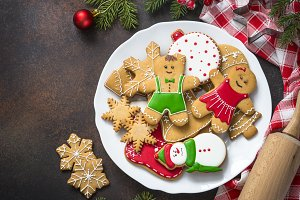 Christmas gingerbread in white plate