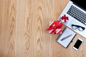 Preparing for Christmas gifts online