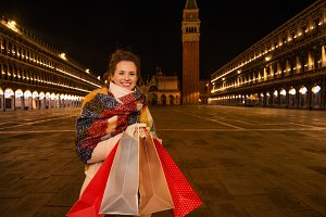 26n Smiling woman with shopping bags