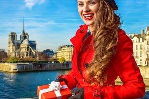 150n woman on embankment in Paris sh