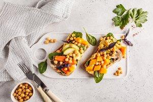Vegan healthy sandwiches with hummus