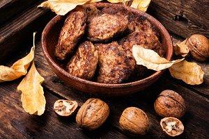 Vegetarian cutlet from walnut