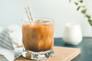 Refreshing iced latte