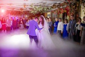 Luxury first wedding dance of newlyw