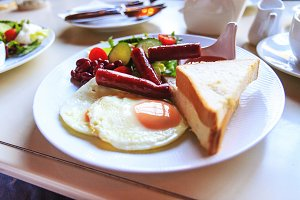 English breakfast, eggs, sausages
