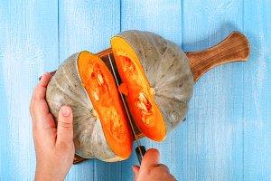 Process for cutting pumpkin pieces f