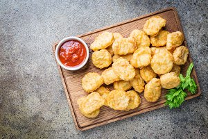 Crispy fried chicken nuggets