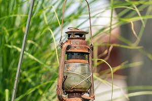 Rust petroleum lamp