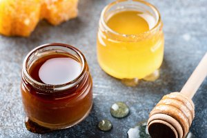 Honey and honey dipper