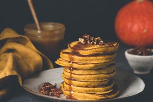 Pumpkin spice pancakes with caramel