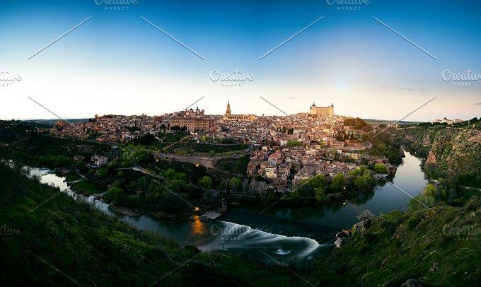 Toledo 25.jpg - Architecture