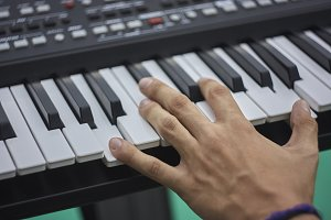 Play the keyboard