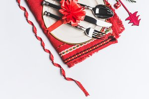 Red Christmas table place setting
