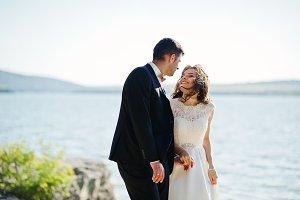 Wedding couple at breathtaking lands