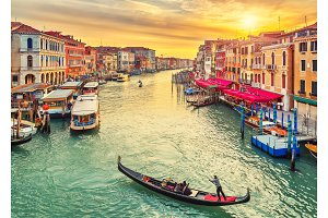 Rialto Bridge in Venice