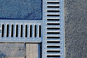 Drain drate for removal water
