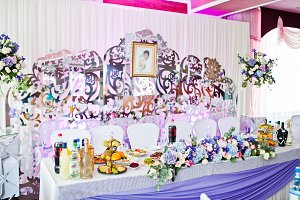 Awesome decorated wedding tables wit