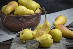 ripe fresh yellow pears