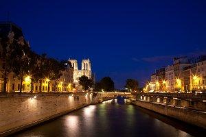 Paris-sur-Seine Twilight