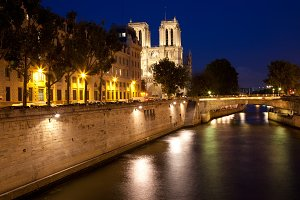 Paris-sur-Seine Twilight