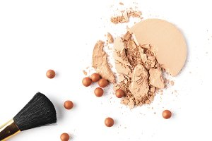 nude cosmetic powder with brush isol
