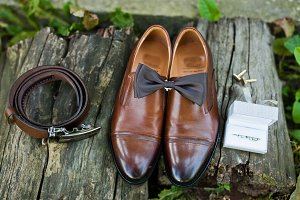 Close-up photo of groom's shoes, cuf