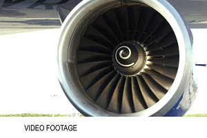 Working side engine of a plane