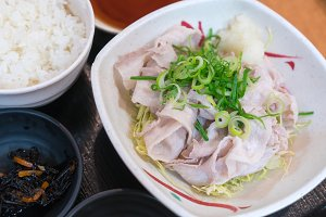 Kurobuta Pork slide and scald