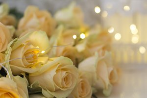 Peach roses with garlands