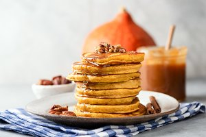 Pumpkin spice pancakes with pecans